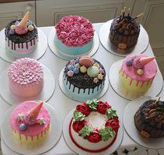 i didn't remember lakin abb tho ghar pa hi raha tha hu mai babe soya hi tha mai Bake Sale Recipes, Cake Recipes, Mini Cakes, Cupcake Cakes, Cake Decorating Icing, Decorating Ideas, Dessert Table Birthday, Holiday Cakes, Novelty Cakes