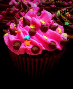 Cupcake de chocolate con frosting de buttercream
