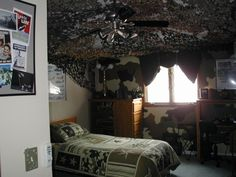Army bedrooms camouflage theme military soldiers for Boys army bedroom ideas