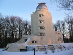 The Einstein Tower in Potsdam / Erich Mendelsonh