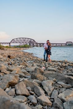 Looking for beautiful places for your engagement photos? Click to see more from this session at Falls of the Ohio State Park!  #southernindiana #engagementinspo