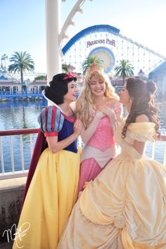 Snow White and the Seven Dwarfs, Sleeping Beauty, & Beauty and the Beast cosplay