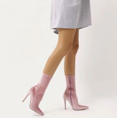 DIRECT POINTY SOCK BOOTS IN BABY PINK VELVET
