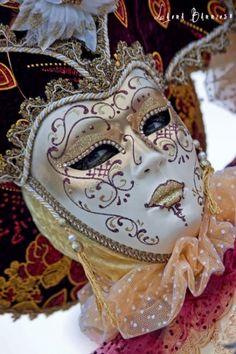 LB_00007-18-Mascara_de_carnaval-Venecia-800x600.jpg (399×600)