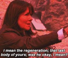 ksc SARAH JANE: Did it hurt? I mean the regeneration. That last body of yours was he okay in the end?// DOCTOR: It always hurts. (from Sarah Jane Adventures: Death of the Doctor part two) ? I Am The Doctor, Bbc Doctor Who, Good Doctor, Adventure Tumblr, Sarah Jane Smith, It Hurts Me, Three Words, David Tennant, Dr Who