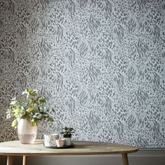 A lavish Savannah Grey and Silver Metallic Wallpaper from the Accessorize range. Available at Go Wallpaper UK. Marimekko Wallpaper, Wallpaper Uk, Metallic Wallpaper, Wallpaper Online, Designer Wallpaper, Latest Wallpaper Designs, Animal Print Wallpaper, Design Repeats, High Quality Wallpapers