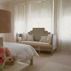 Gustavian sofa in the bedroom