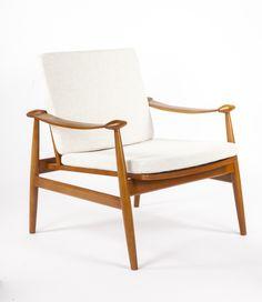 Spade Chair in Beige/Natural