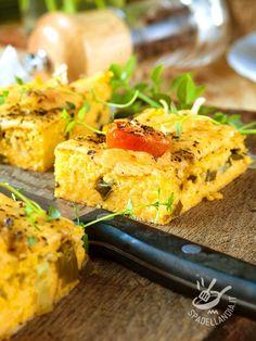 La Polenta alla fontina, accompagnata da un contorno di verdure fresche di stagione, è un piatto unico molto goloso, che apprezzeranno anche i bambini! #polentaallafontina