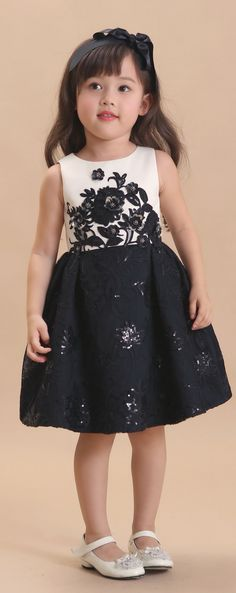 DORIAN HO Baby Doll FW 17/18 Little Girl Fashion, Toddler Fashion, Kids Fashion, Little Girl Dresses, Girls Dresses, Flower Girl Dresses, Outfits Niños, Kids Outfits, Dress Anak