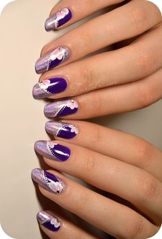 Nail art holographique et mini one stroke tartofraises prett Purple Nail Art, Purple Nail Designs, Pretty Nail Designs, Nail Art Designs, Ten Nails, One Stroke Nails, Ongles Gel Violet, Chrome Nails, Holographic Nails