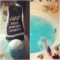 Lush is my faveee store😊 Lush Cosmetics, Handmade Cosmetics, Big Blue Bath Bomb, Lush Fresh, Lush Bath Bombs, Body Spa, Perfume, Bubble Bath, Wax