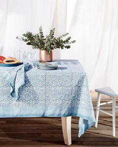 We are all about alfresco dining at the moment. Looking forward to some weekend gatherings around the beautiful Darjeeling tablecloth.