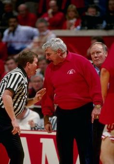 Bobby Knight- That's how you coach. Not pacing the sideline, clapping, saying good job when your team is sucking! Indiana Basketball, I Love Basketball, Basketball Legends, College Basketball, Basketball Players, Bob Knight, Iu Hoosiers, John Mellencamp, Indiana University