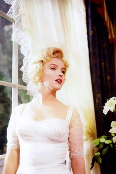 Marilyn photographed by Milton Greene on the set of The Prince and the Showgirl