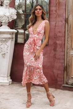 Our Too Far From Home Midi Dress features a plunge, open neckline supported by thick straps. Shop Now And Get Express Shipping Worldwide! Pink Midi Dress, Latest Dress, Female Fashion, Womens Fashion, Spring Summer Fashion, Ready To Wear, Cool Outfits, Creations, Amor