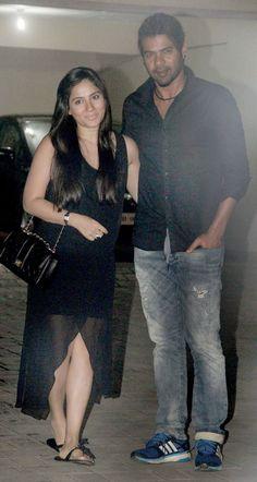 Shabbir Ahluwalia and Kanchi Kaul at Arpita Khan's birthday bash. Bollywood Stars, Bollywood Fashion, Salman Khan, Birthday Bash, Families, Beauty, Style, Beleza, Stylus