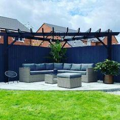 Corner Garden Seating, Backyard Seating, Backyard Patio Designs, Small Backyard Landscaping, Corner Patio Ideas, Deck With Pergola, Outdoor Pergola, Corner Pergola, Backyard Pergola
