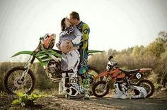 Motorcross Family # new rider Motocross Baby, Motocross Couple, Motocross Riders, Dirt Bike Couple, Dirt Bike Girl, Cute Relationship Goals, Cute Relationships, Maternity Pictures, Pregnancy Photos