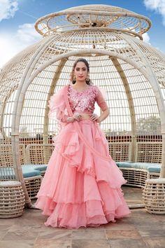 Party Wear Indian Dresses, Designer Party Wear Dresses, Indian Gowns Dresses, Indian Bridal Wear, Dress Indian Style, Indian Fashion Dresses, Indian Wedding Outfits, Indian Designer Outfits, Bridal Outfits
