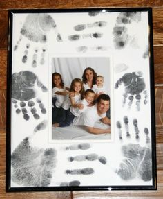 Hand print picture frame. cute!