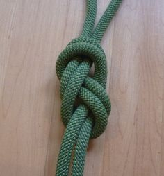 The figure-eight on a bight - Learn this simple, but important knot, which has various applications for rock climbing and anchor building.