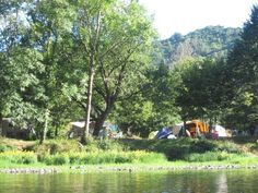 Camping la champagne, nl eigenaren kleine camping direct aan de dordogne