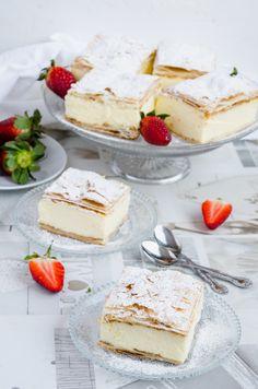 Cremsnit cu vanilie - Din secretele bucătăriei chinezești Something Sweet, Granola, Vanilla Cake, Camembert Cheese, Sweets, Cooking, Desserts, Food, Pastries