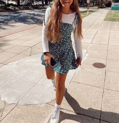 adorable summer dress outfit March 09 2020 at fashion-inspo Teenager Outfits, Teen Fashion Outfits, Look Fashion, Fashion Clothes, Preteen Fashion, Trendy Teen Fashion, Fall Fashion, Petite Fashion, Fashion Dresses