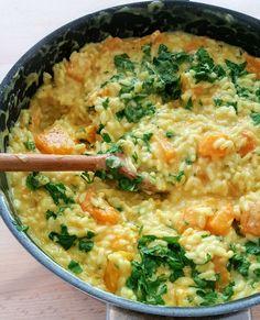 Un risotto qui change, facile à faire pendant la saison des courges, gourmand et onctueux avec l'ajout de crème et de parmesan.