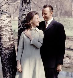 March 19, 1968 ♕ Crown Prince Harald and Sonja Haraldsen announce their engagement