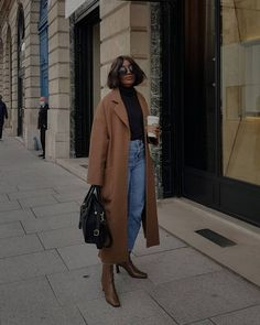 I'm a Fashion Director, and I Think You'll Want to Wear These 5 Trends Next Year Trendy Hairstyles, Straight Hairstyles, Fall Hairstyles, Simple Fall Outfits, Autumn Outfits, Skirt And Sneakers, Short Straight Hair, Maxi Coat, New Fashion Trends