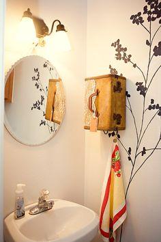 DIY Project: Suitcase Vanity & Towel Holder by Design Sponge Upcycled Vintage, Repurposed, Deco Dyi, Towel Storage, Bathroom Storage, Bathroom Ideas, Bathroom Towels, Vintage Suitcases, Vintage Luggage