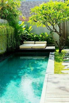 Everyone enjoys luxury swimming pool layouts, aren't they? Right here are some top checklist of high-end pool image for your inspiration. These dreamy pool design concepts will change your backyard right into an outside sanctuary. Small Swimming Pools, Small Backyard Pools, Small Pools, Swimming Pool Designs, Outdoor Pool, Lap Pools, Small Backyards, Indoor Pools, Small Garden Jacuzzi