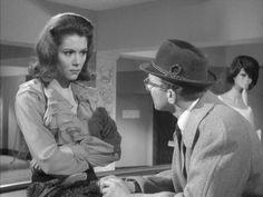 Avengers Death At Bargain Prices Emma Peel Diana Riggs, Dame Diana Rigg, Bond, Uk Tv Shows, Avengers Girl, Avengers Images, Emma Peel, Vintage Tv, English Actresses