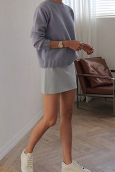 Short blue skirt with lavender sweater Are you looking for effortless minimalist outfit ideas to refresh your spring wardrobe? For no brainer easy mornings, we round up fifteen looks to get you inspired. You probably already have the ke… Look Fashion, Fashion Clothes, Spring Fashion, Fashion Outfits, Womens Fashion, Women's Clothes, Clothes Shops, 90s Fashion, Clothes Sale