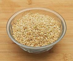 Brown rice is an excellent source of dietary fiber and phytonutrients that provide protective health benefits, including weight maintenance. Here are some health benefits of brown rice. What Is Shakeology, Brown Rice Benefits, Snack Recipes, Healthy Recipes, Healthy Food, Sources Of Dietary Fiber, How To Slim Down, Superfoods, Health Benefits