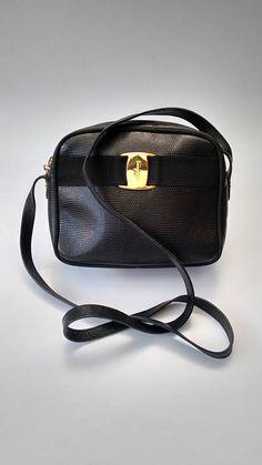 d4308c8e149f FERRAGAMO Salvatore Ferragamo Vintage Black Lizard Embossed Leather Shoulder  Bag   Crossbody Bag. Italian designer purse
