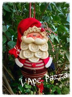 Patrones Santas y elfos 2014: Papá arándano en la pelota Christmas Arts And Crafts, Felt Christmas Decorations, Felt Christmas Ornaments, Christmas Gnome, Christmas Projects, All Things Christmas, Holiday Crafts, Christmas Wreaths, Beautiful Christmas