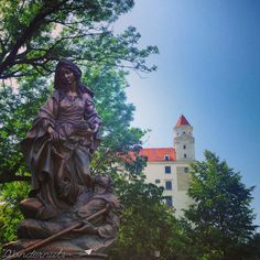 castle and statue Colourful Buildings, Fairytale Castle, Bratislava, Street Artists, Statues, Statue Of Liberty, Circles, Romantic, Adventure