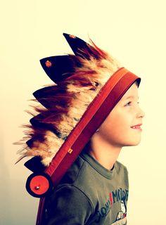 Fun boys indian headdress. €30.00, via Etsy.