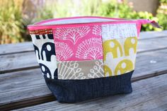 Open wide zippered pouch tutorial size chart - Noodlehead for making Open wide zippered pouches. www.noodle-head.com