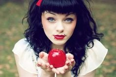 pretty snow white makeup