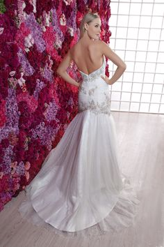 La cauda única del modelo Nazira. Para Ingrid Nieto. #Colección2015 #Vestido #Novia #Boda #BrideToBe #Wedding #Bride #Dress