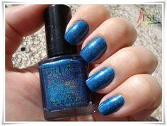 http://tudosobreesmaltes.com/2012/06/01/marine-blue-glitter-gal/