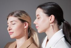 Summer has definitely arrived and do you know what that means? It is the perfect time to wear long earrings again! You have probably already seen our HYUNOK earrings when we launched the Romantics collection.  These beautiful 60mm long pearl drop earrings with handpicked freshwater pearls are handmade by the artisans we work with in the Seoul area. They come in three beautiful color combinations: white, amber and grey. ✨  Beautiful Color Combinations, Pearl Drop Earrings, Fresh Water, Amber, Pearls, Grey, Seoul, Collection, Chain