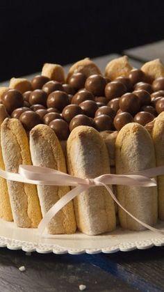 Envie d'un dessert gourmand et classy ? Testez cette recette de Charlotte à base de Nutella et Maltesers !