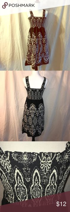 Sonoma Sundress, Size Small This sundress has been gently worn. It is in good condition. The straps elastic do have a little stretching but other than that it looks great. Great dress for those hot days to just run around town. Sonoma Dresses