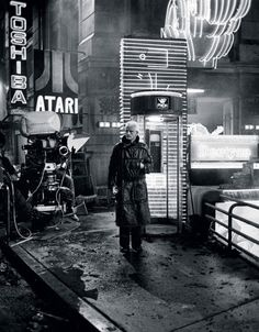 "lottereinigerforever:   Rutger Hauer on the set of ""Blade Runner"""