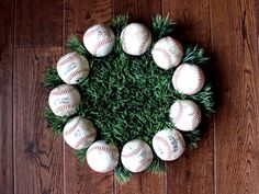 DIY Baseball Wreath    lifeinleftfield.com